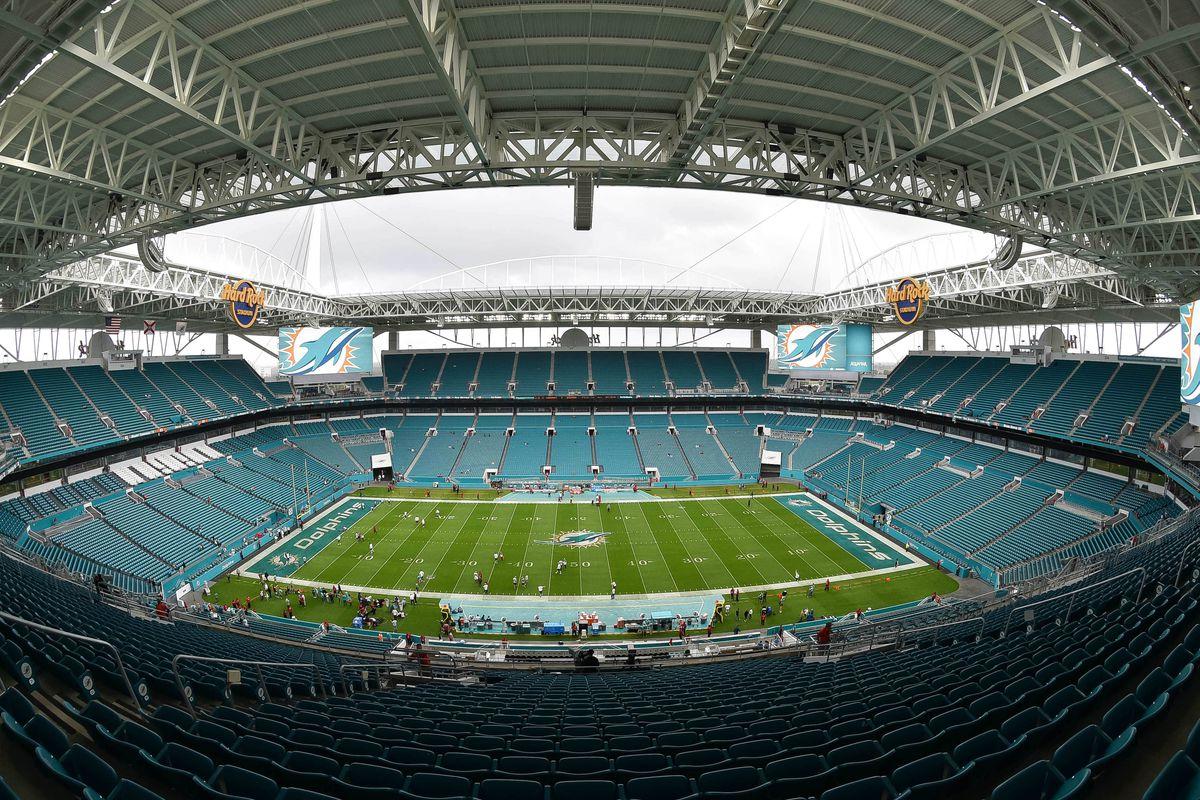 NFL: Arizona Cardinals at Miami Dolphins