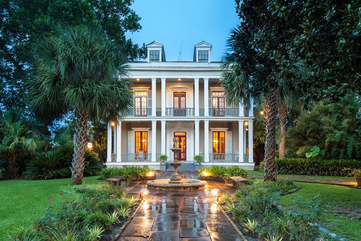 New orleanss most beautiful buildings curbed new orleans