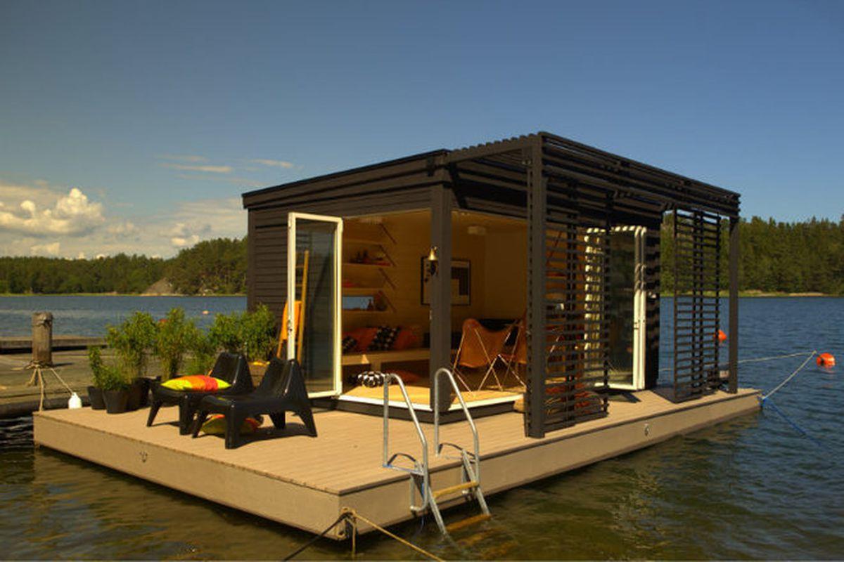 "All photos © Kenjo via <a href=""http://inhabitat.com/modern-kenjo-cabin-is-a-solar-powered-floating-room-for-a-family-in-sweden/"">Inhabitat</a>."