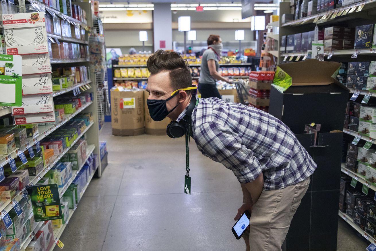 Instacart shoppper during Coronavirus