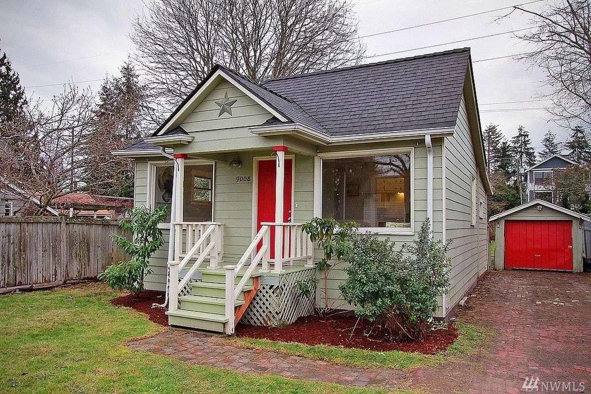 Photos Tiny House Seattle Wa: Tiny Classic Cottage Lists In Greenwood At $425K