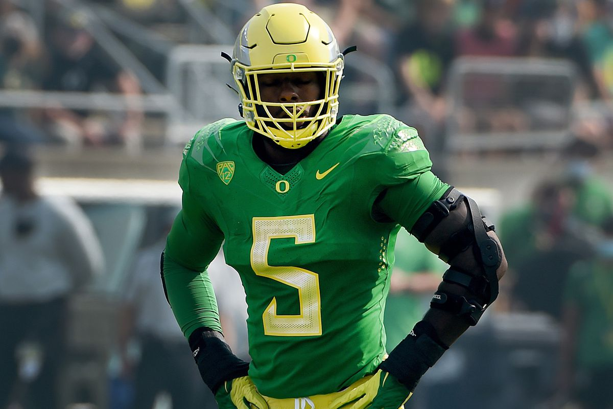 Defensive end Kayvon Thibodeaux of the Oregon Ducks gets set at the line of scrimmage during the first quarter of the game against the Fresno State Bulldogs at Autzen Stadium on September 04, 2021 in Eugene, Oregon. Oregon won 31-24.