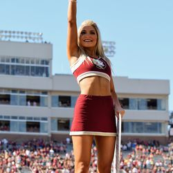 'Nole cheerleader before the game.
