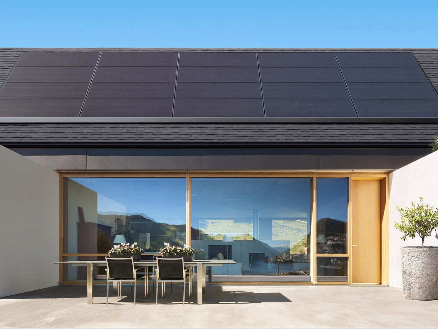 Tesla Launches A Rental Plan To Help Its Slumping Home Solar Panel Business The Verge