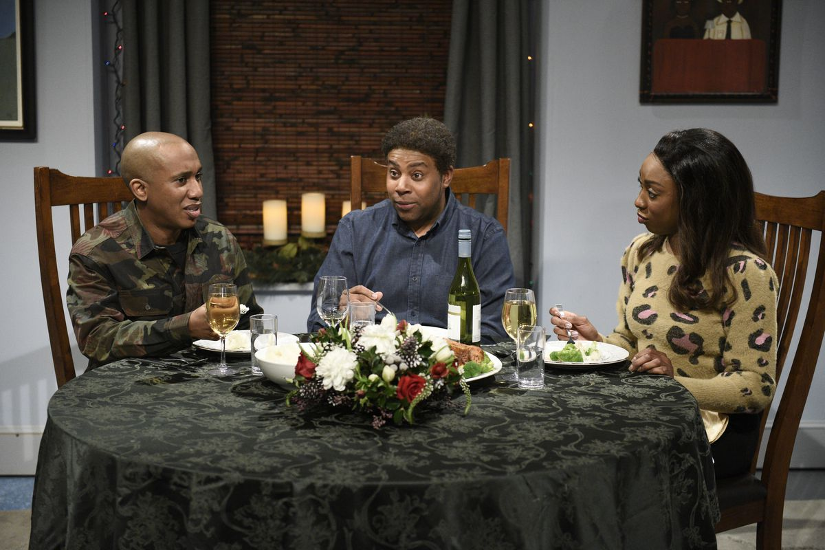 Chris Redd, Kenan Thompson, and Ego Nwodim play a family in Atlanta discussing politics and pop culture at dinner.