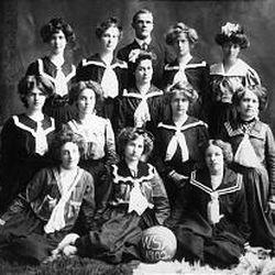 The 1902 women's basketball team