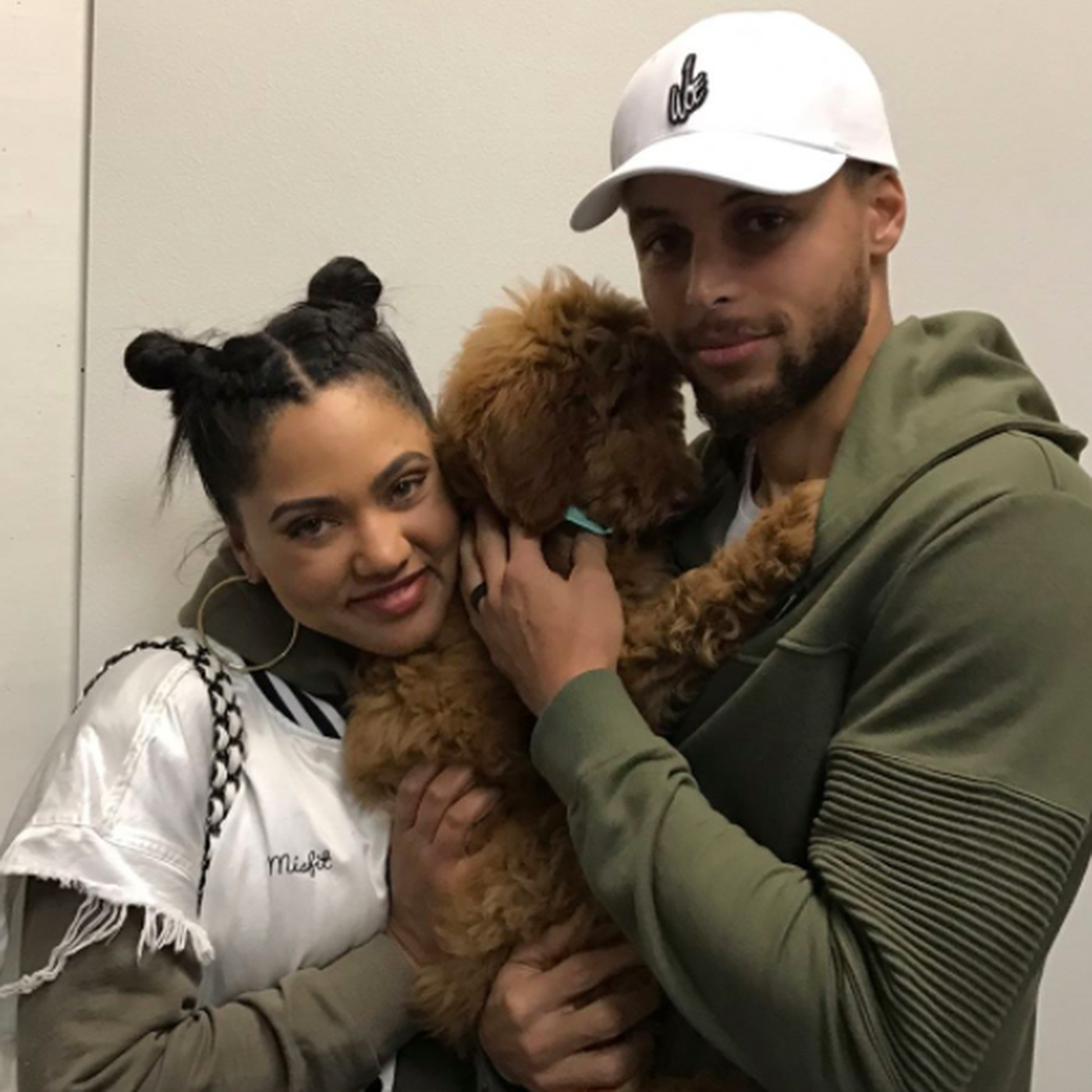 newest 8d542 33819 Steph Curry got a new dog and his name is Rookie - SBNation.com