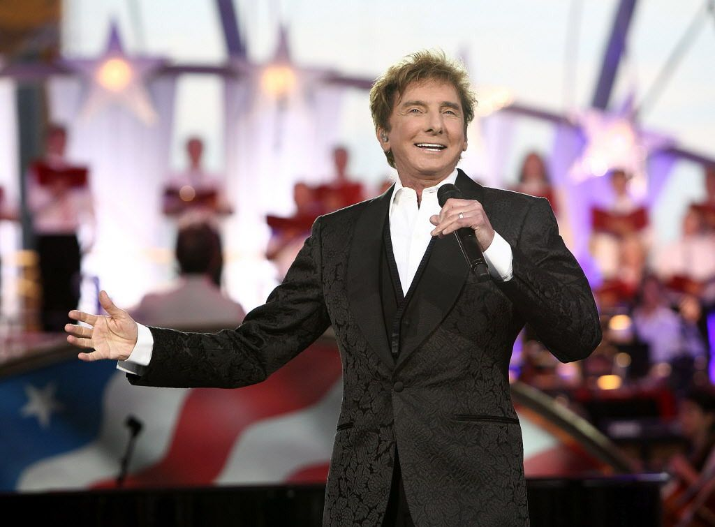 Barry Manilow brings his holiday show to the Allstate Arena Dec. 5. | Paul Morigi/Getty Images, File