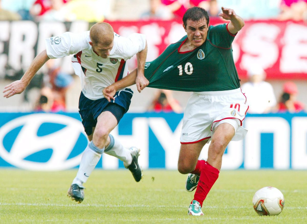 FUSSBALL: WM 2002 in JAPAN und KOREA, MEX - USA 0:2