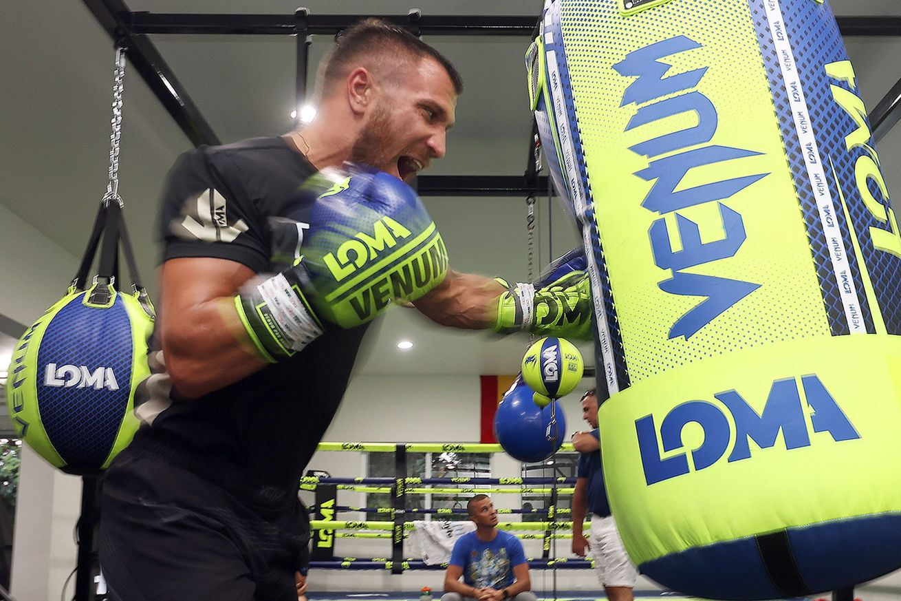 119019094 10158985299903243 8419845272524251394 o.0 - Lomachenko and Lopez training for Oct. 17 showdown