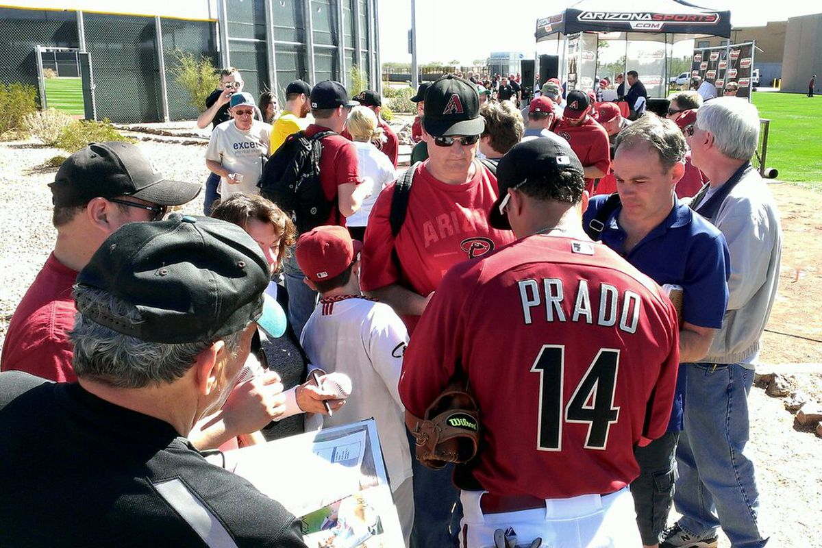 """""""Beautiful day here at #Dbacks camp.@SaltRiverFields great place to see players like Martin Prado & get autographs."""""""