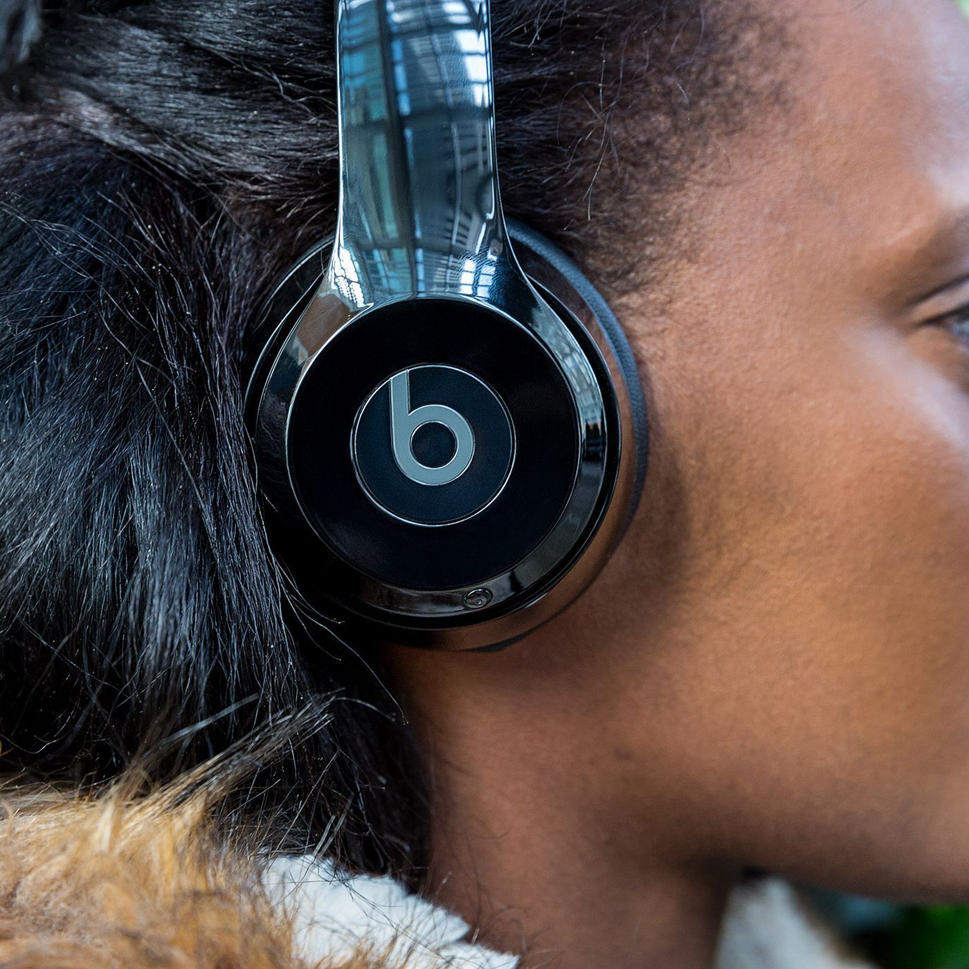 Beats Solo 3 Wireless Headphones Are 50 Percent Off At Walmart The Verge