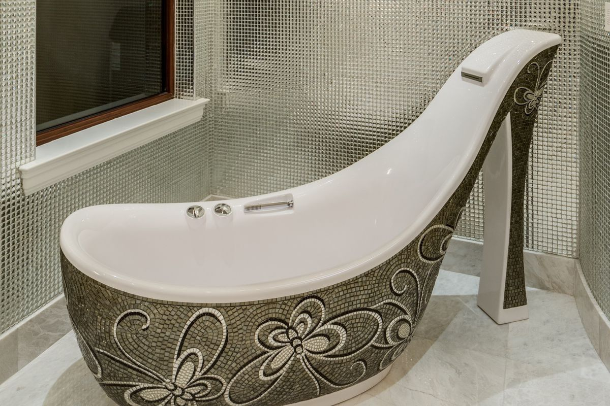 Florida home with stiletto tub seeks $7M - Curbed Miami