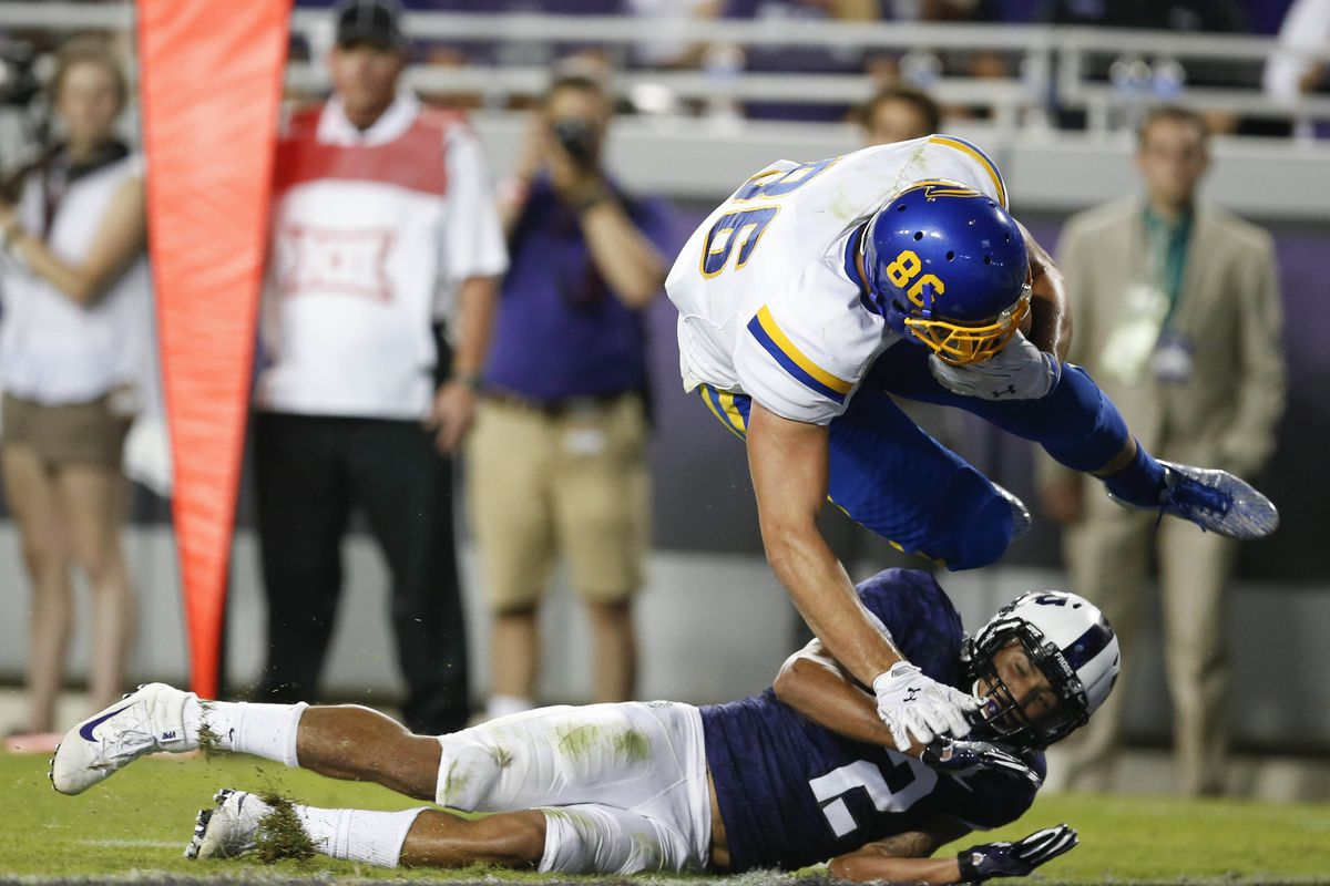 purchase cheap 31b63 ea733 2018 NFL Draft: Film room scouting report on Dallas Goedert ...