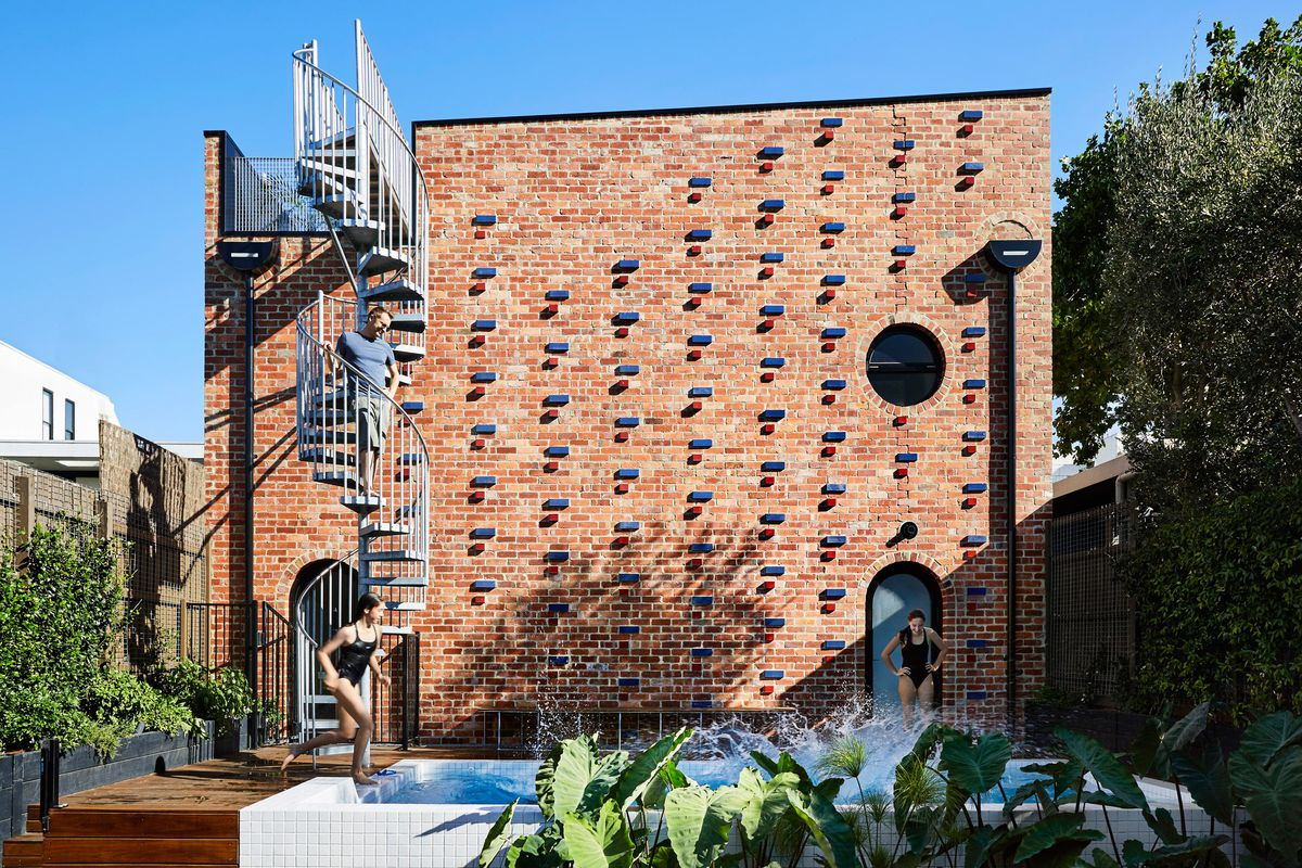 Cool brick house built as secondary dwelling in Melbourne - Curbed
