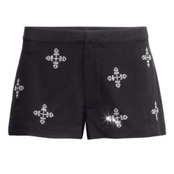 """Chiffon shorts, $24.95 at <a href=""""http://www.hm.com/us/product/14725?article=14725-A"""">H&M</a>"""