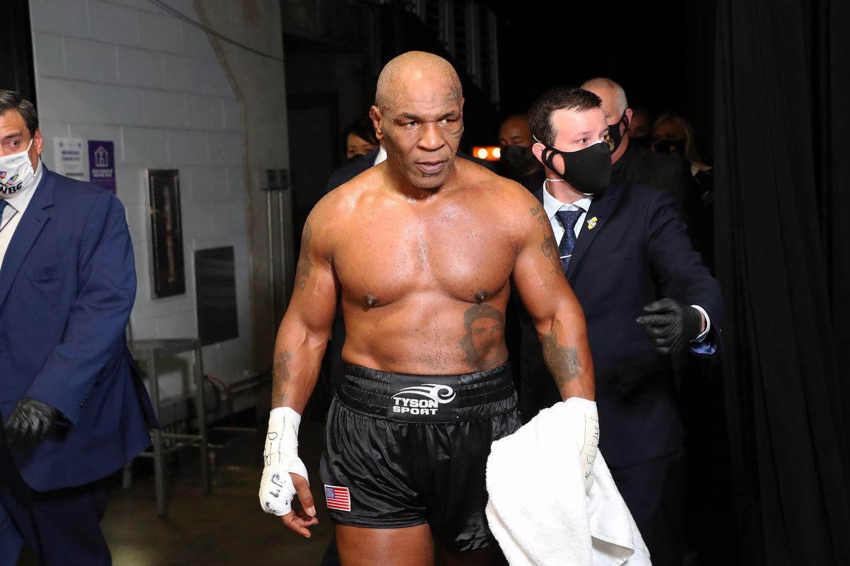 Triller展示了Mike Tyson VS Roy Jones Jr.