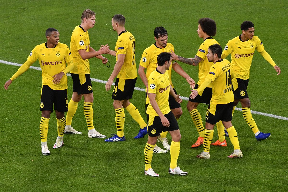 Match Observations Borussia Dortmund Beat Zenit Despite Rigid Defense And Monsoon Like Conditions Fear The Wall