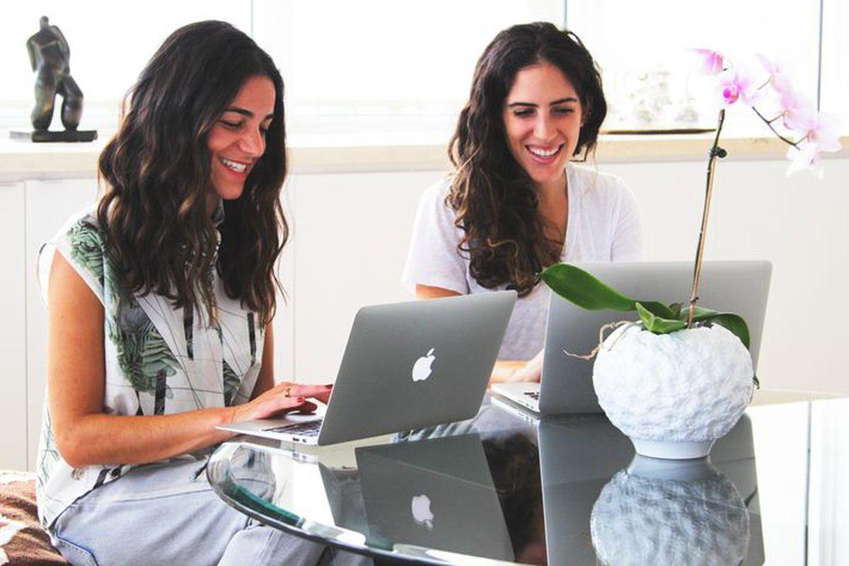 Bib + Tuck founders Sari Azout and Sari Bibliowicz