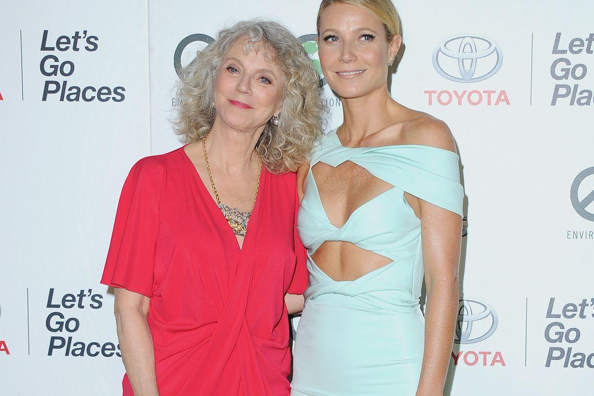 Gwyneth with her mom, Blythe Danner.