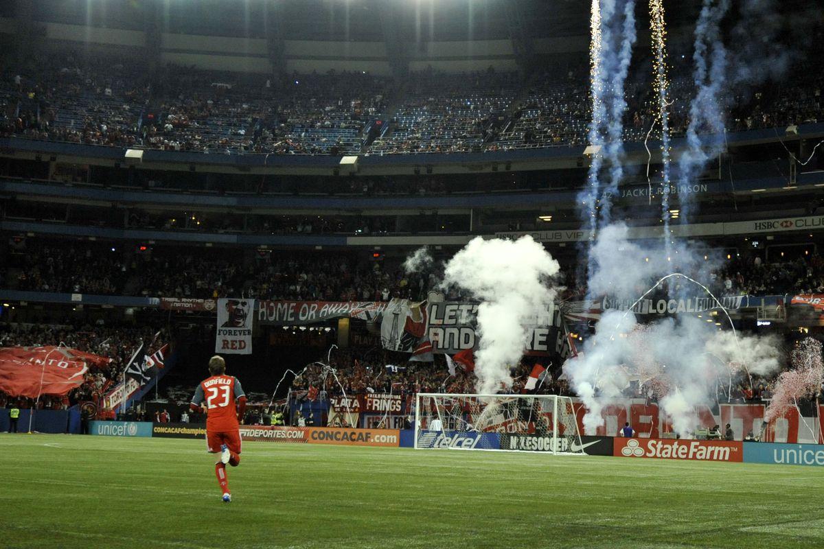 CONCACAF Champions League - Los Angeles Galaxy v Toronto FC