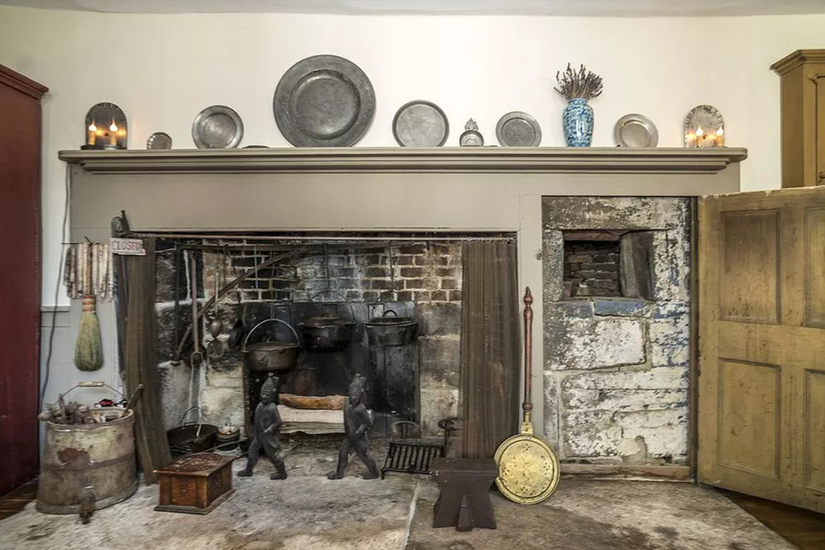 old house interior design. We didn t start the fire 3 old houses for sale with gorgeous fireplaces  Curbed