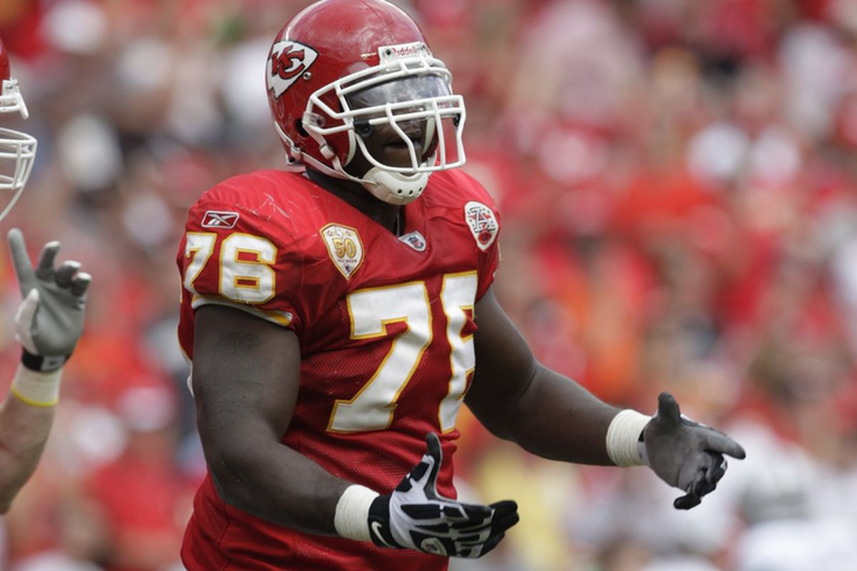 Branden Albert trade rumors: Chiefs are 'seeking out suitors', according to a report