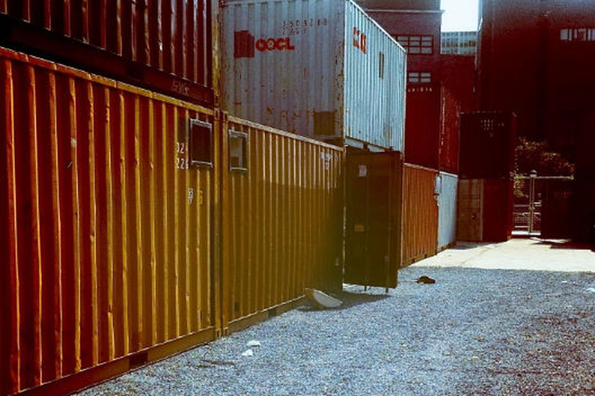 """Image via <a href=""""http://inhabitat.com/nyc/brooklyns-shipping-container-dekalb-market-opens-this-saturday-july-23/dekalb-market-opening-2/?extend=1"""">Inhabitat</a>"""