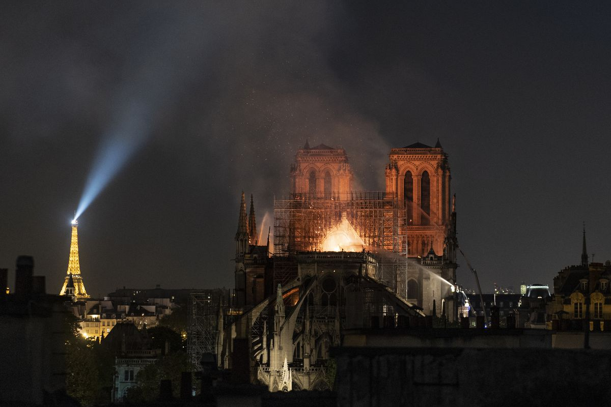 Notre Dame fire: why we wept when the cathedral burned - Vox