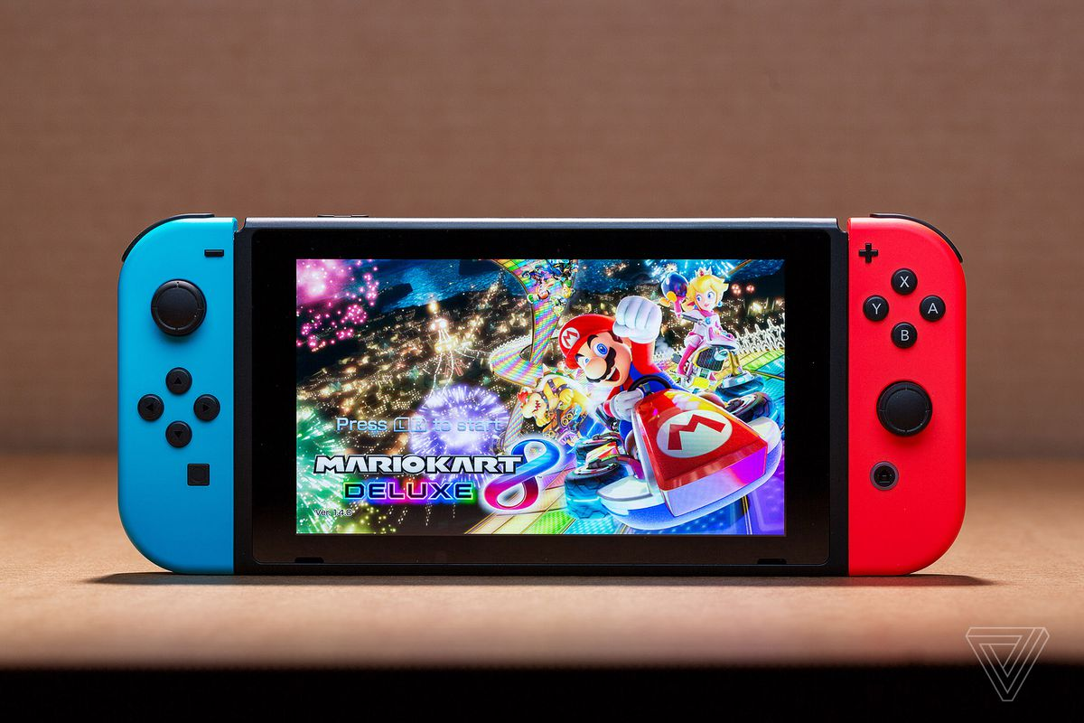 Nintendo Is Bundling Mario Kart 8 Deluxe With The Switch For