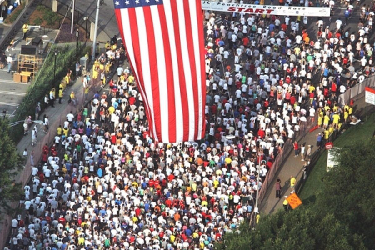 """The Peachtree Road Race via <a href=""""http://image3.examiner.com/images/blog/wysiwyg/image/PeachtreeRaceStart.jpg"""">image3.examiner.com</a>"""