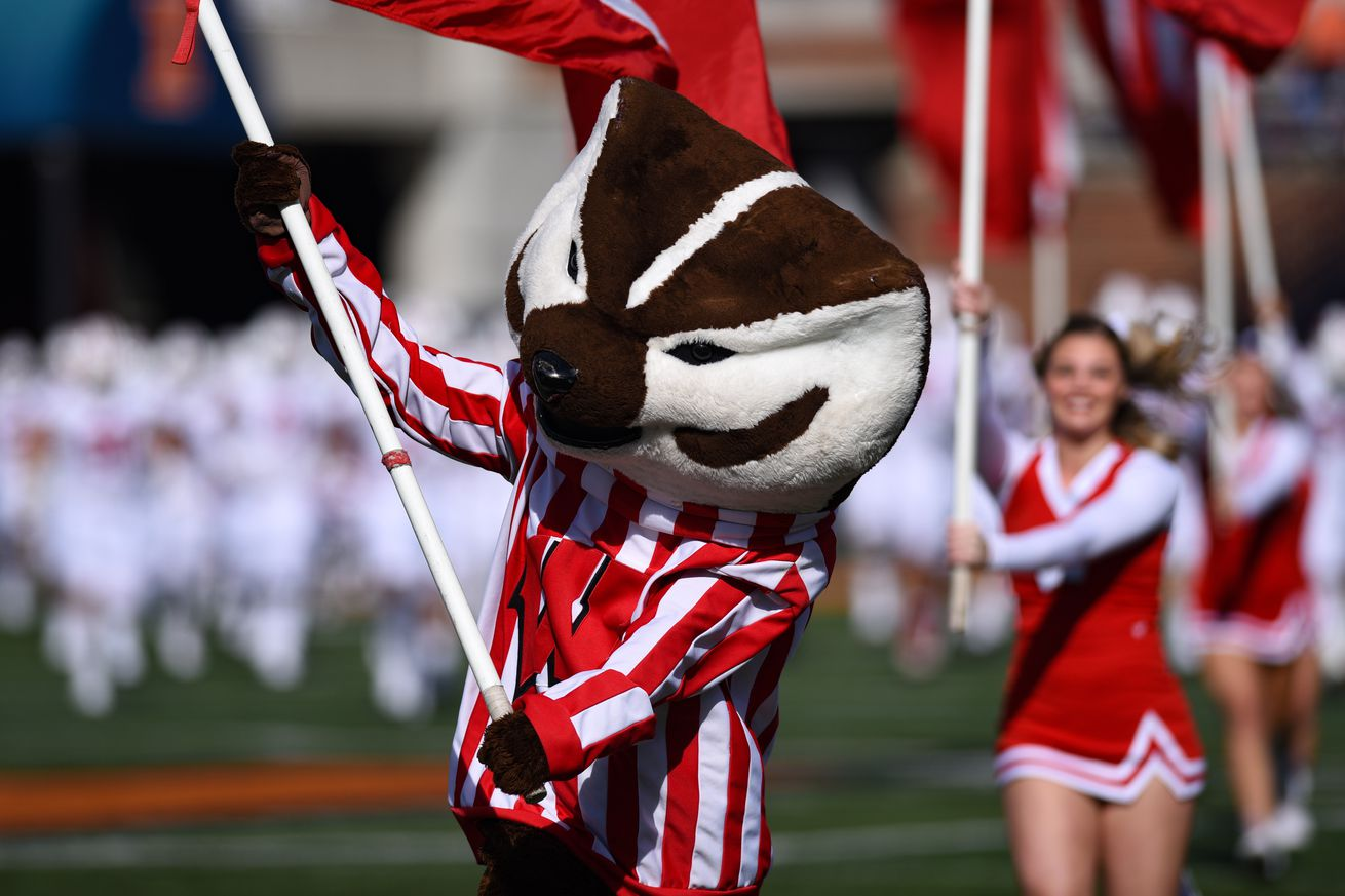 COLLEGE FOOTBALL: OCT 19 Wisconsin at Illinois