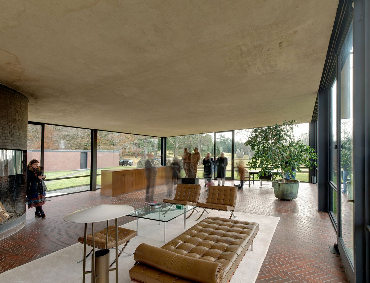 Philip Johnson S Glass House Replaces Its Ceiling Curbed