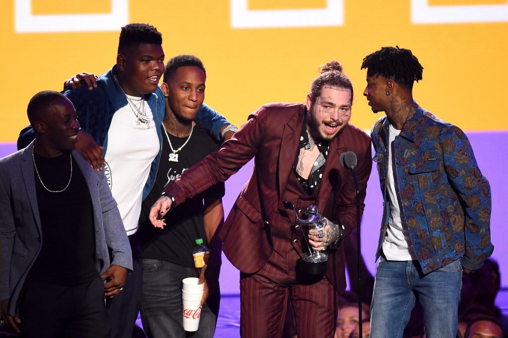 MTA VMA feels flat despite J  Lo's lifetime award, electric