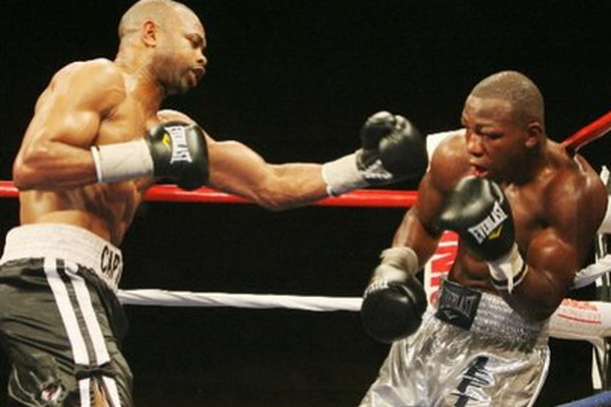 """Roy Jones Jr. dominated Jeff Lacy on Saturday night in Mississippi. But did he prove anything meaningful? (Photo via <a href=""""http://www2.tbo.com/exposure/ar/405/0/2009/08/16/10110_0815jones-lacy.jpg"""">Tampa Tribune / Associated Press</a>)"""