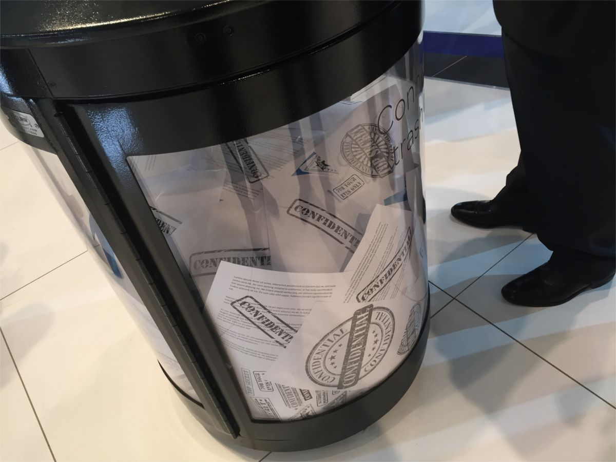 But it's a SMART trashcan.