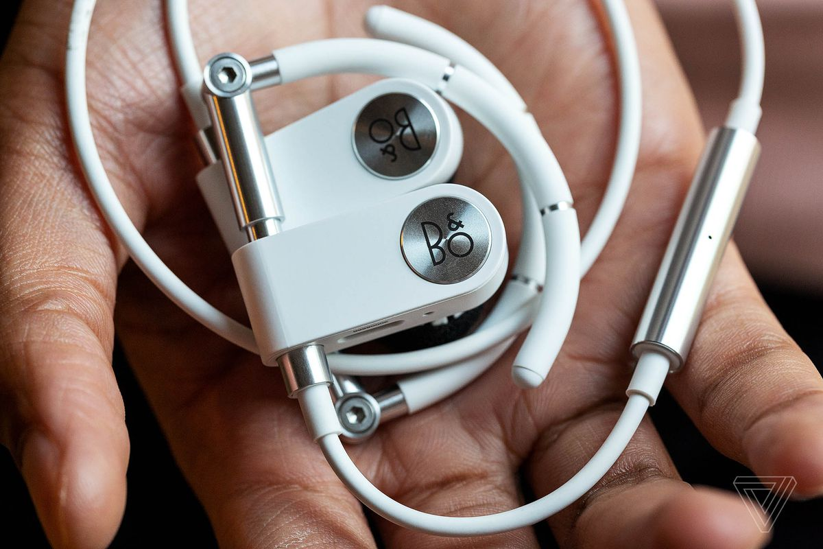 c83f4a2589f I can't think of a single reason why you might buy the Beoplay Earset.  There are better earbuds and headphones in nearly every category that offer  better ...