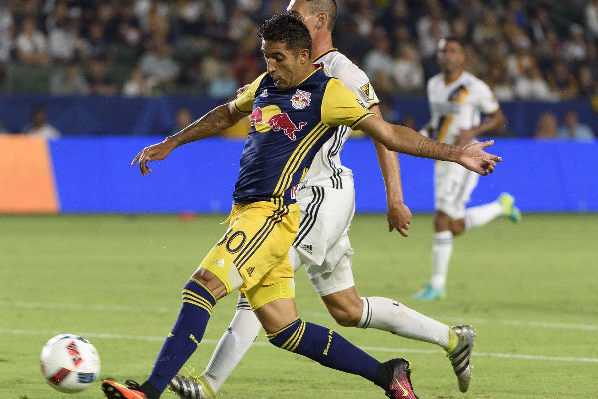 Gonzalo Veron finally scores a big goal during the run of play