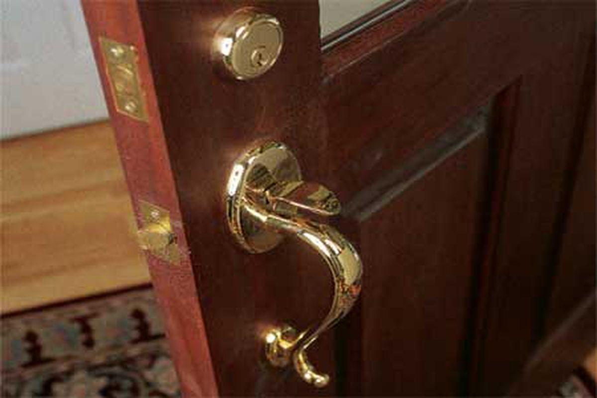 Brass Lever Door Knob Bedroom Bathroom Privacy Door Lock 2 Complete Lock Sets
