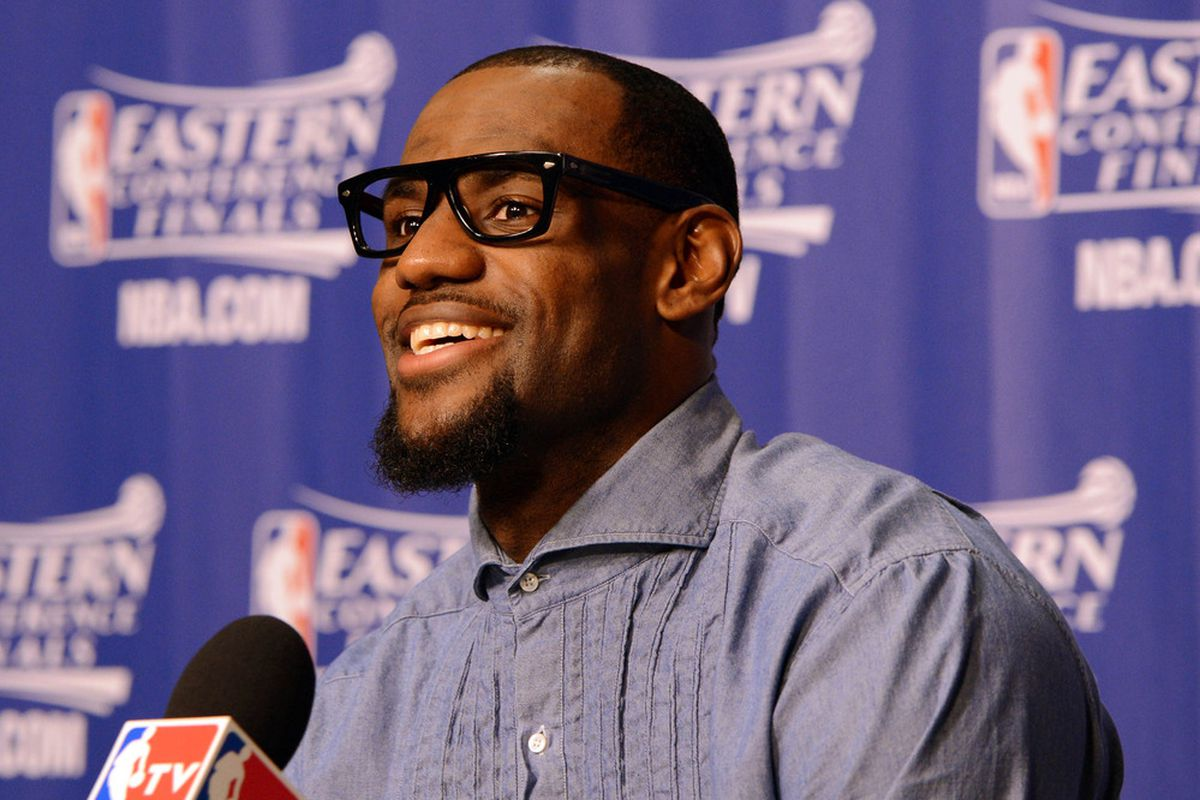 b1670ea37909 Dwyane Wade and LeBron James wear glasses ...