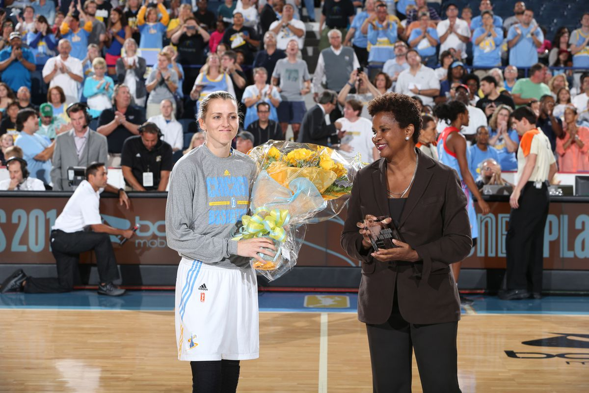 Allie Quigley was honored for winning the Sixth Woman of the Year award prior to the Chicago Sky's game on Sunday.