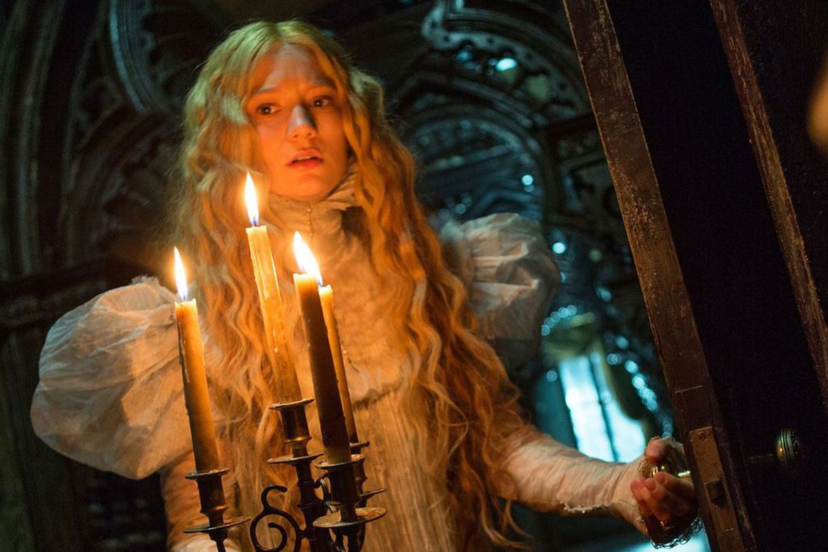 Crimson Peak Isnt A Horror Movie Its A Ghost Story Yes Theyre