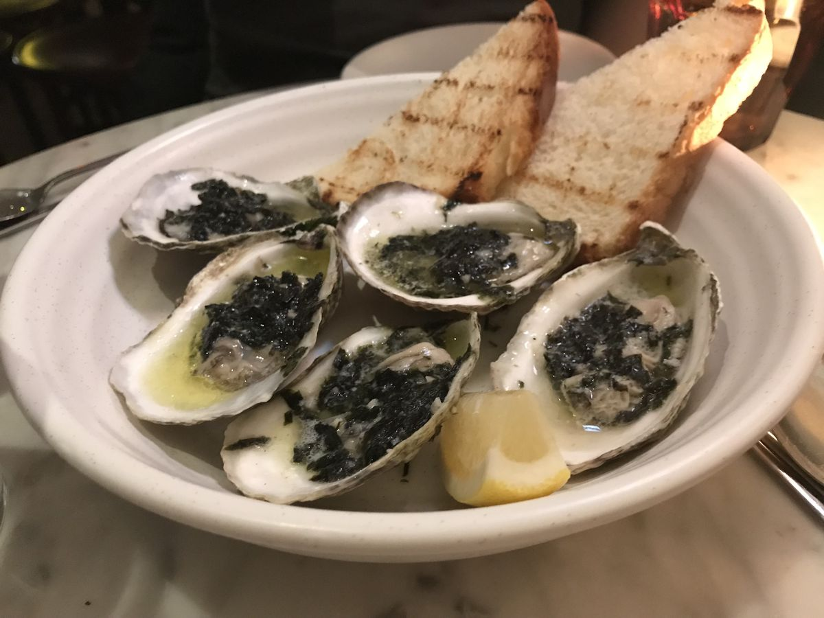 Grilled oysters with seaweed butter
