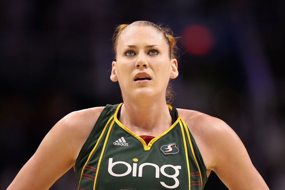 Seattle Storm center Lauren Jackson was unquestionably the MVP of the 2010 WNBA Finals, but winning Game Three and sweeping the Atlanta Dream required some help from her All-Star friends. (Photo by Christian Petersen/Getty Images)