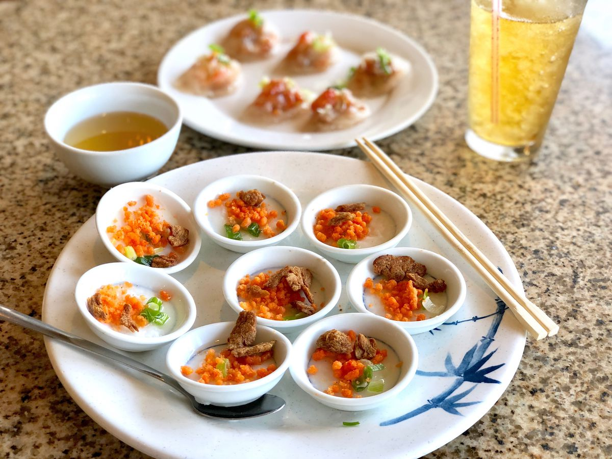 A plate of steamed rice cake saucers, or banh beo chen