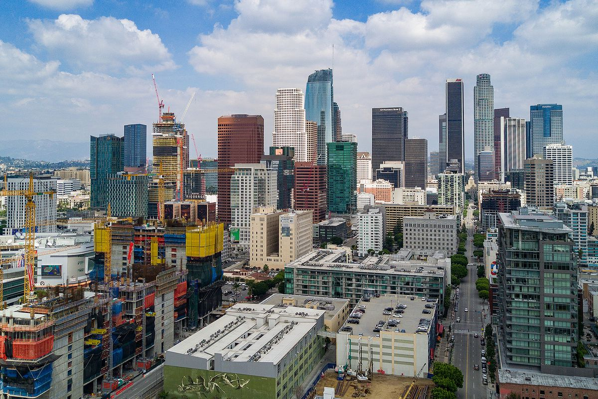 Downtown la added 7 551 apartments in the last six years for Model apartments los angeles