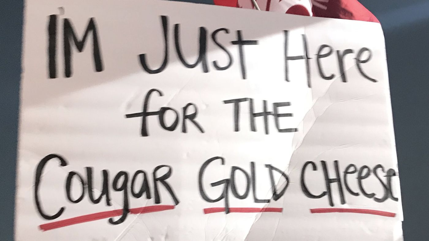 The best signs from College GameDay in Pullman - CougCenter