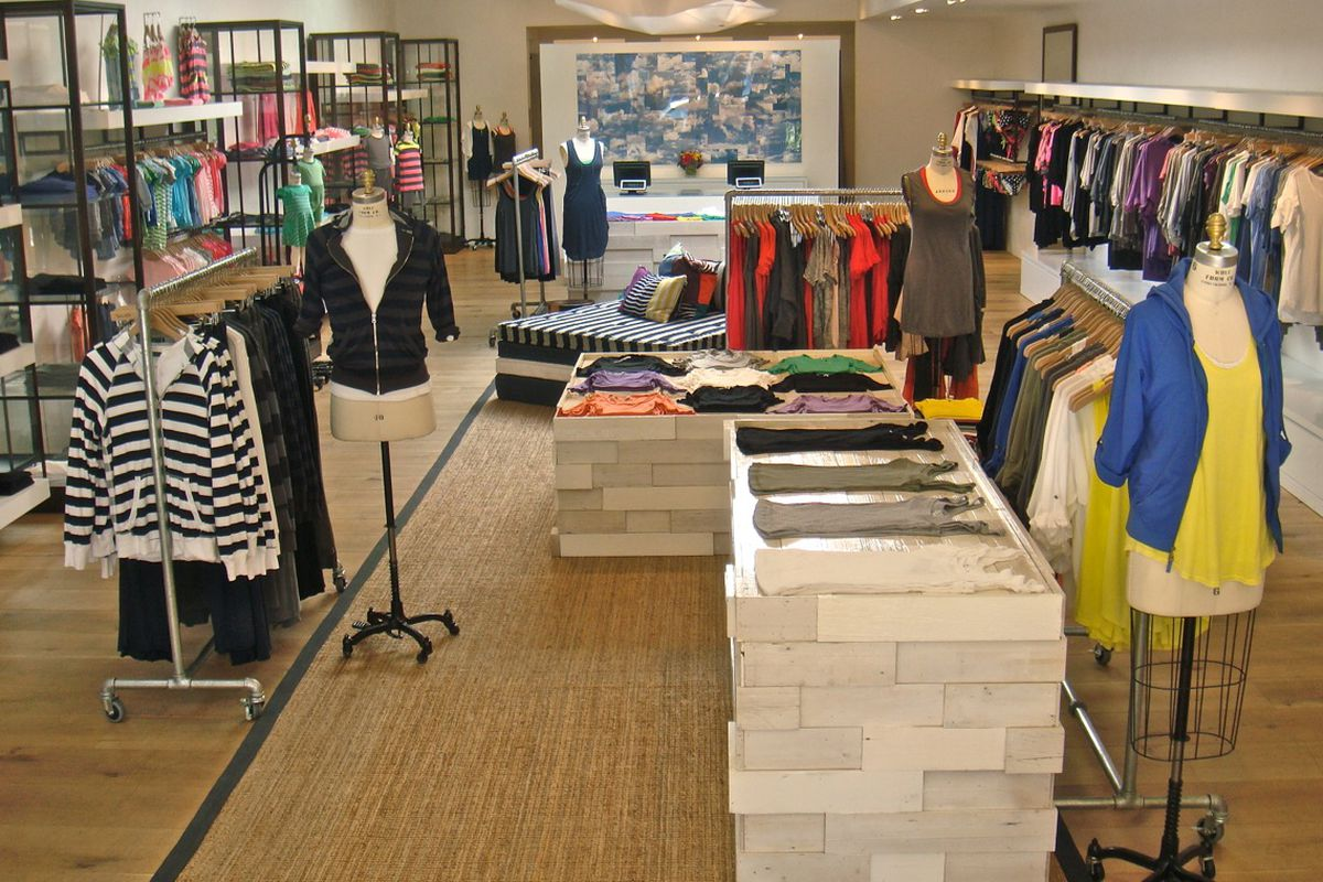 Chestnut Hill is modeled similarly to other Splendid stores