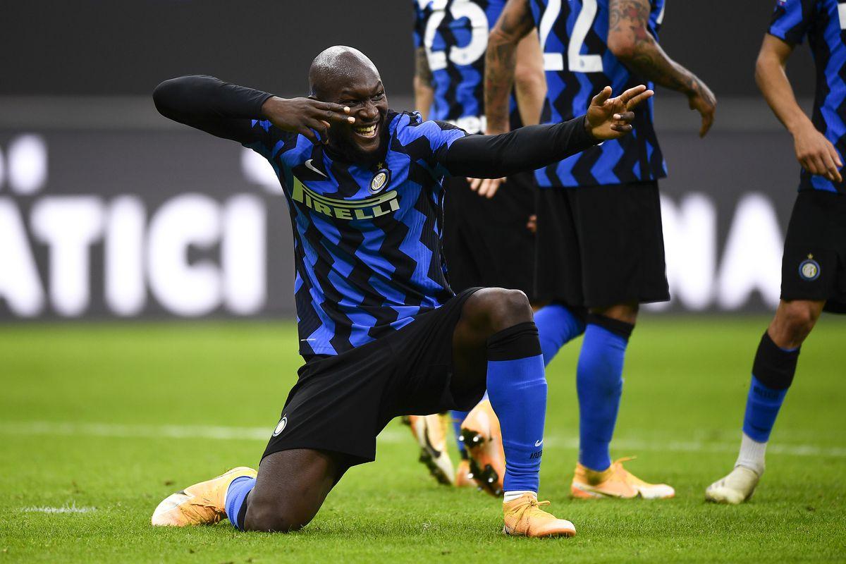 Romelu Lukaku of FC Internazionale celebrates after scoring...