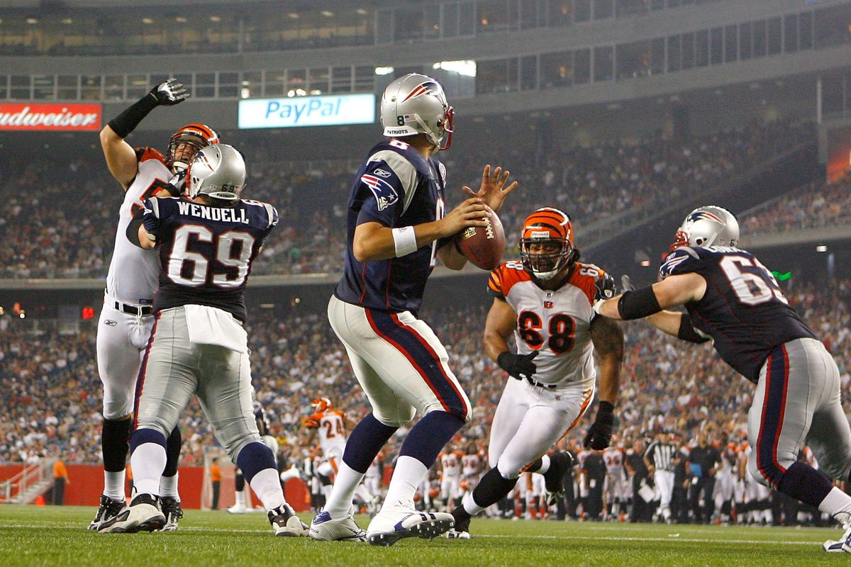ae4e9f3a820 NEW  Patriots sign quarterback Brian Hoyer to a 3-year deal - Pats ...